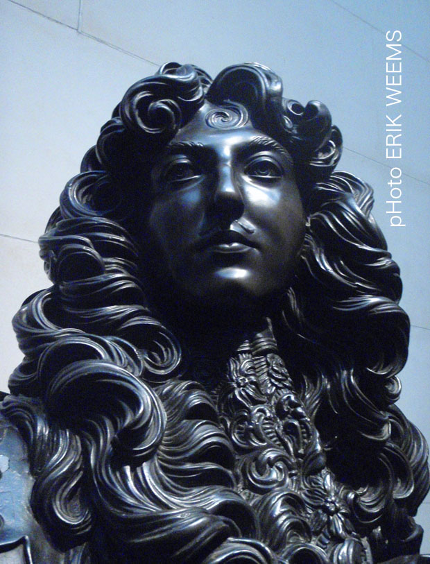 detail Louise XIV Bronze Bust by Bernini